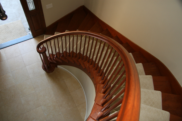 Full tread traditional curved stair